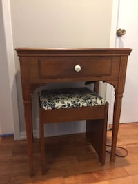 Antique sewing desk with seat Chatham, N7M 5R3