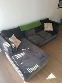 gray and black sectional couch 3672 km