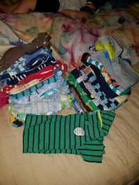 baby's assorted-color clothes lot 797 mi