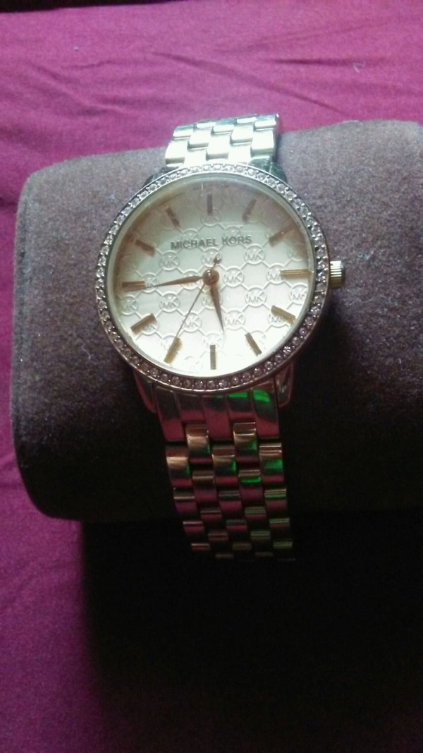 535dbac66652 Used MK side purse and watch for sale in Toronto - letgo