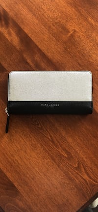 Marc Jacobs wallet (brand new, never used) Guelph, N1E 2X3