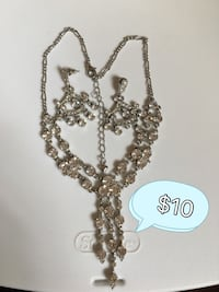 Brown beaded chandelier necklace!!! Vaughan