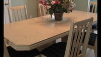 Dining room set with Hutch $320 Barrie, L4M 6J3