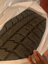 20 inch Toyo GSI 5 winter tires slighty used Montréal, H3H 2V1
