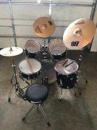 Black and white drum set Upper Marlboro, 20774
