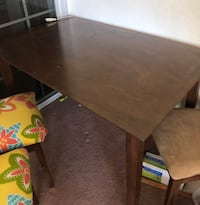 Beautiful Dark Wood Table and 4 Chairs Vacaville, 95687