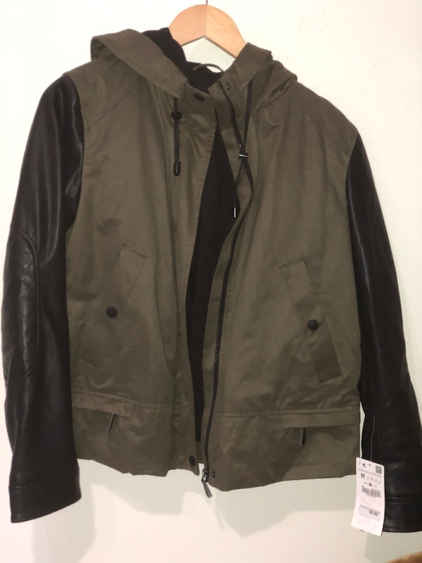 b0f4099ca Zara basic collection green and black leather jacket