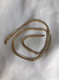 14 k gold chain Langley Park