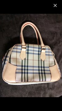 Burberry bag   Pickering, L1V 4X1