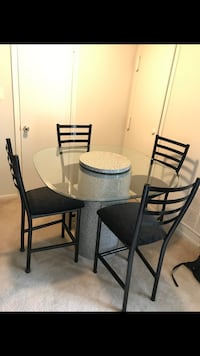 Dinning table with 4 chairs Woodbridge, 22193