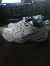 Nike air size 10 perfect condition North Las Vegas, 89084
