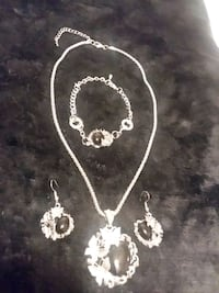 Silver Necklace, Bracelet & Earrings Set With Blac Chesapeake, 23325