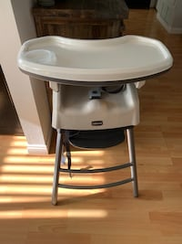 Chicco High Chair Thousand Oaks, 91320