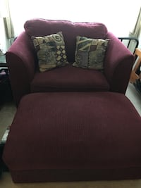 Chair and a half plus ottoman maroon w/2 pillows in great condition  Adamstown, 21710