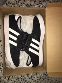 Men Adidas skateboarding shoes size 11 Burnaby, V3J 0A4