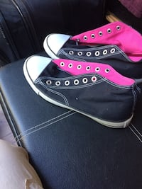 Sneakers new size 8