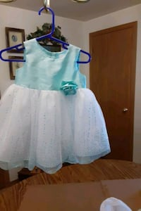 Pretty  dress  size 6-9 month