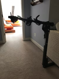 Thule 4 carrier bike hitch 1 1/4 in Gainesville, 20155