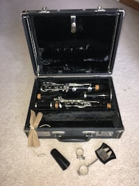 black and gray clarinet set Neenah, 54956