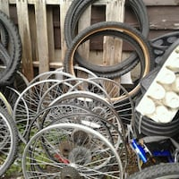 Size 26-27.5 rims and tires must go Surrey, V3R 3L6
