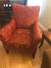 red and brown floral fabric sofa chair Toronto, M8X 2L2