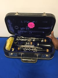 Vito Reso-Tone Clarinet In Carrying Case