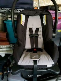 baby's gray and black car seat carrier Brampton, L6P 3J3