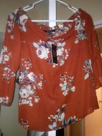 Brand new off shoulder top size Medium Toronto, M1B 3G7