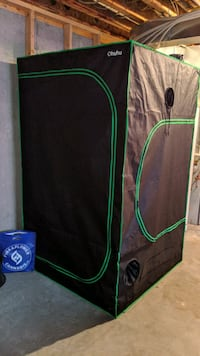 Grow Tent & Light