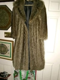 Fur coat small Alexandria, 22315