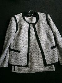 Ann Taylor size 2 fits like 3-5  Albuquerque, 87111