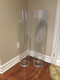 Two floor vases..size 40 inches tall Longueuil, J3Y