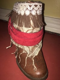 Brown-and-red leather chunky heeled fringe boot size 5.5 Brandon, 39047