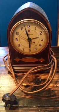 Antique General Electric wooden clock, doesn't work Springfield, 22152