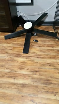 "52"" Ceiling fan Maysville, 30558"