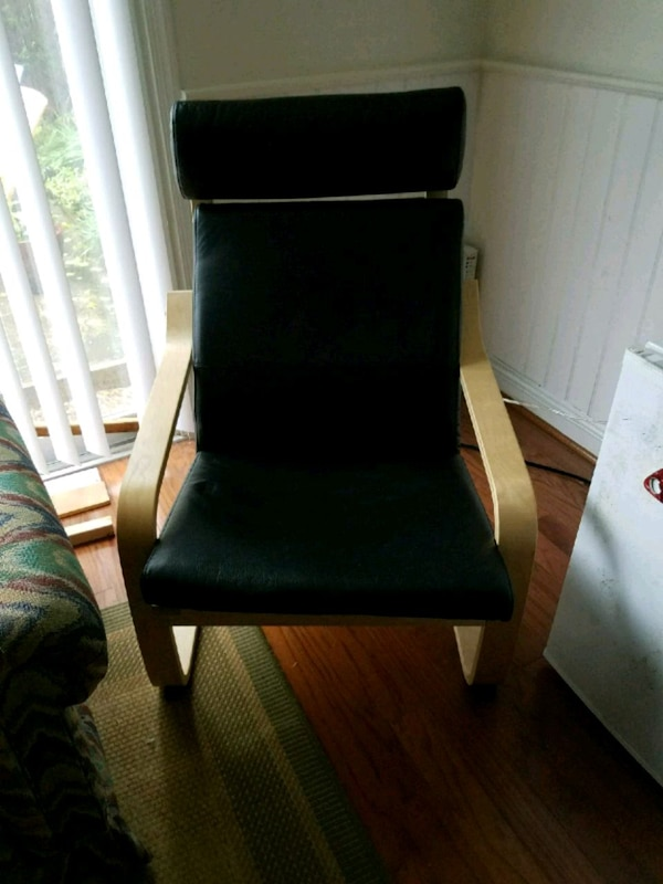 Chair in great condition - barely used  02cf1f05-b0b8-49dc-b3a5-aa9f3ca45e4c