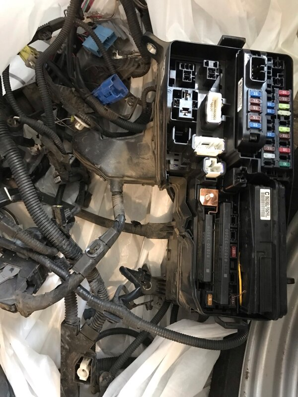 toyota camry fuse diagram used 2012 toyota camry fuse box and wires for sale in golden letgo 2005 toyota camry fuse diagram used 2012 toyota camry fuse box and