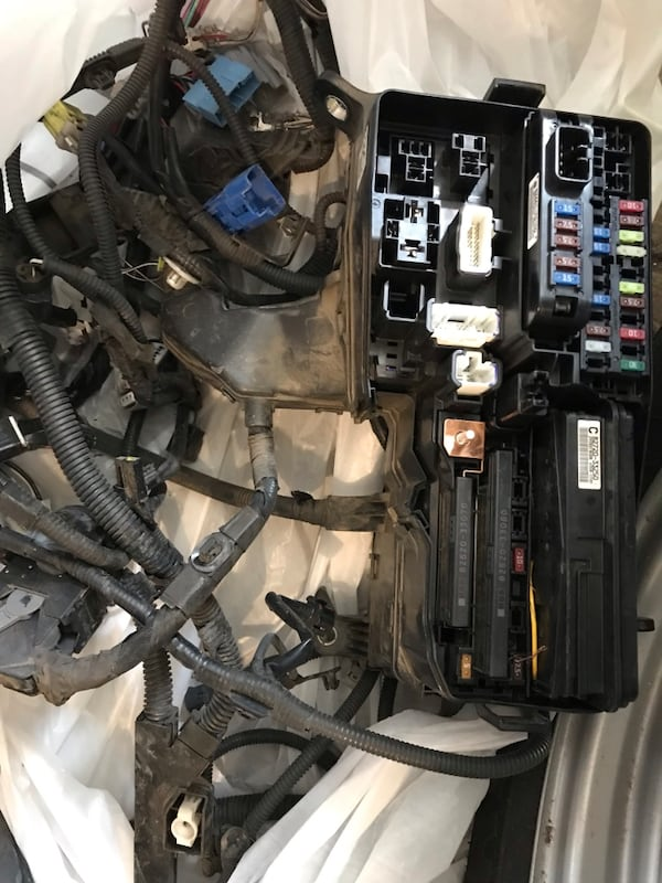 2012 harley davidson fuse box used 2012 toyota camry fuse box and wires for sale in golden letgo  used 2012 toyota camry fuse box and