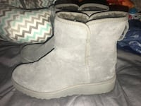 UGGS Size 9.5