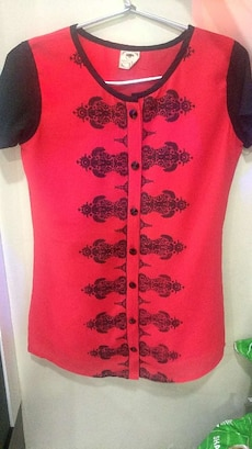 women's red and black button-up shirt