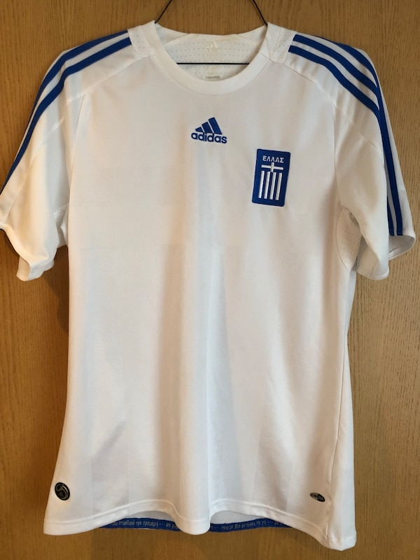 sports shoes b13cf bf0ba Greece National Team Football Shirt