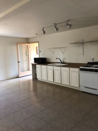 HOUSE For rent 1BR 1BA 1939 mi