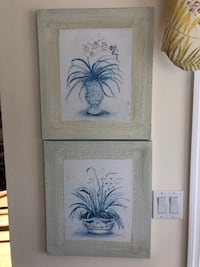 Pair of canvas pictures North Fort Myers, 33917