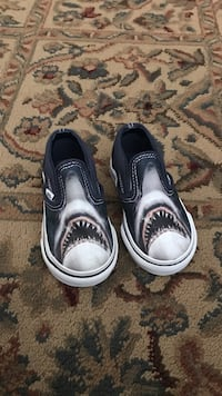 Vans Jaws Toddler shoes size 5