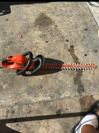 Electric hedge trimmer  Los Angeles, 90044