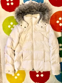 Jacob puffy winter white jacket Burnaby, V3N 5E4