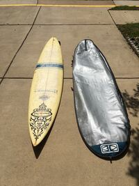 "Fiberglass 8'9"" board with glasses-on fins and bag Fort Belvoir, 22060"