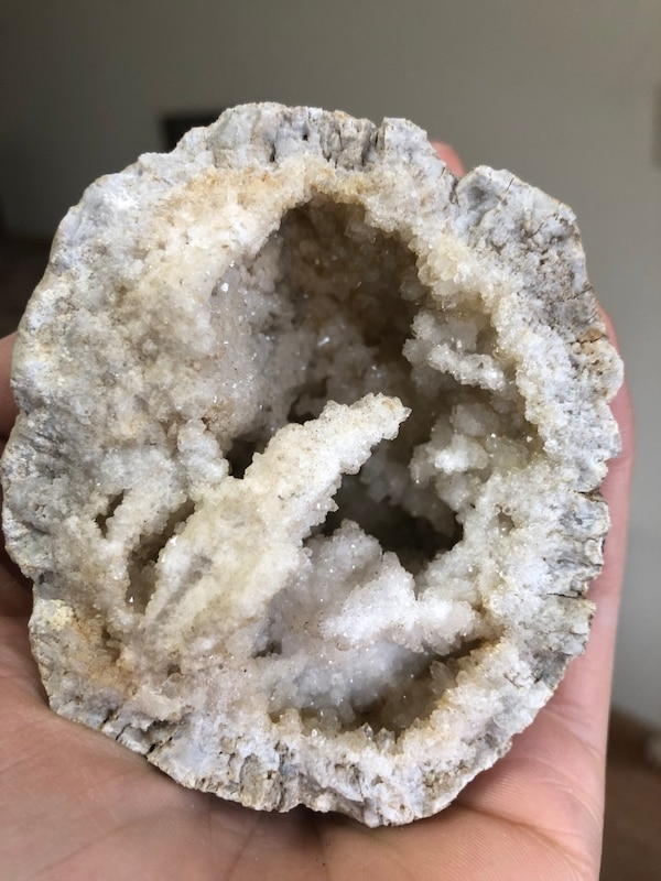 HUGE lot of geodes -- selling the whole lot -- Illinois crystals, quartz,  rocks, stones, gems