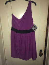 NWT juniors xxl black and purple one shoulder Victor, 14564
