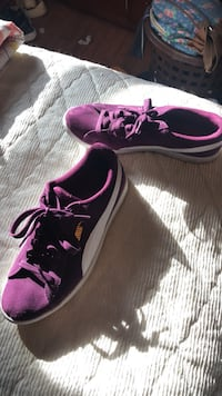 pair of purple-and-black Nike running shoes Edwardsville, 62025